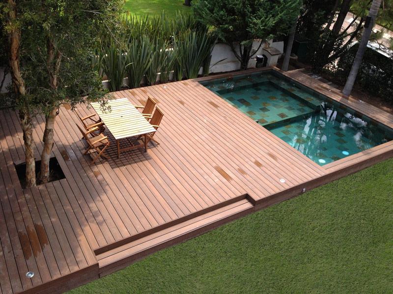 La pavimentazione in legno per esterni